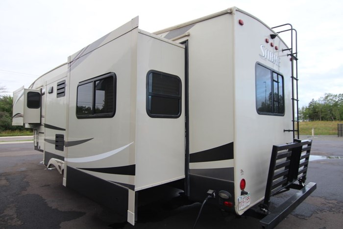 2016 Forest River Sabre 34REQS Photo 16 of 16