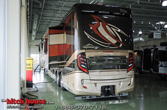2020 Newmar Supreme Aire Photo 3 of 20