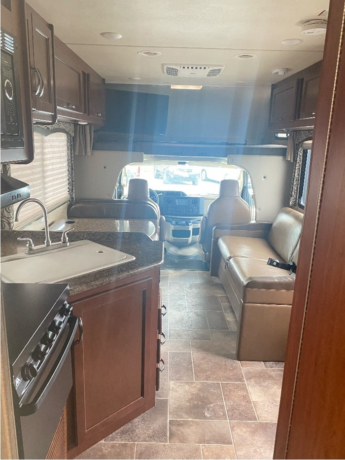 2017 Thor Motor Coach Four Winds Photo 23 of 24