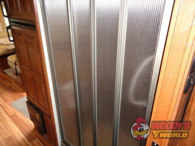 2013 COACHMEN CONCORD 300TS Photo 23 of 31